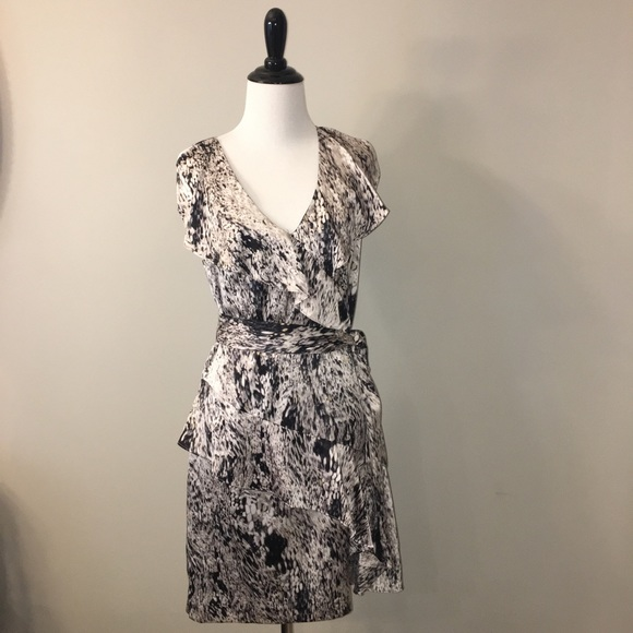 c40f2b43 Vince Camuto Dresses | Sleeveless Mini Dress W Ruffles Sz 2 | Poshmark